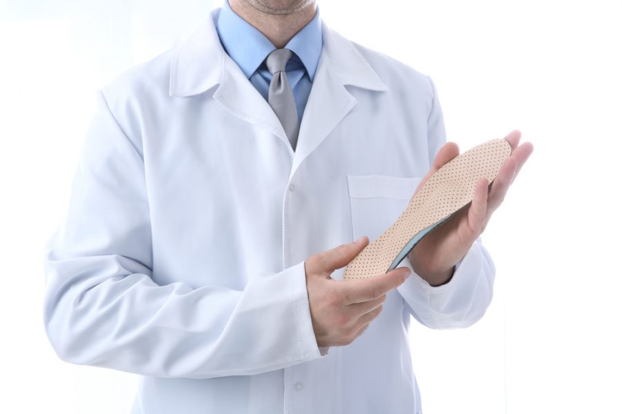 Custom-made or over-the-counter orthotics: how to choose?
