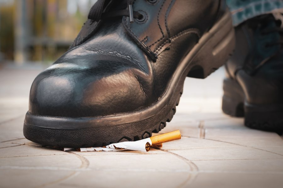 What are the effects of smoking on your feet?