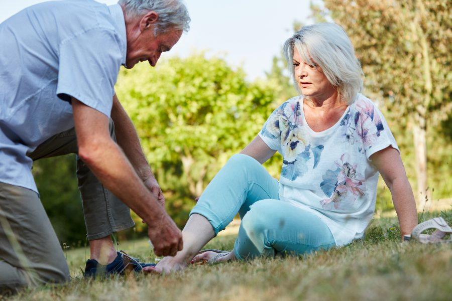 Seniors: 4 tips to keep your feet healthy