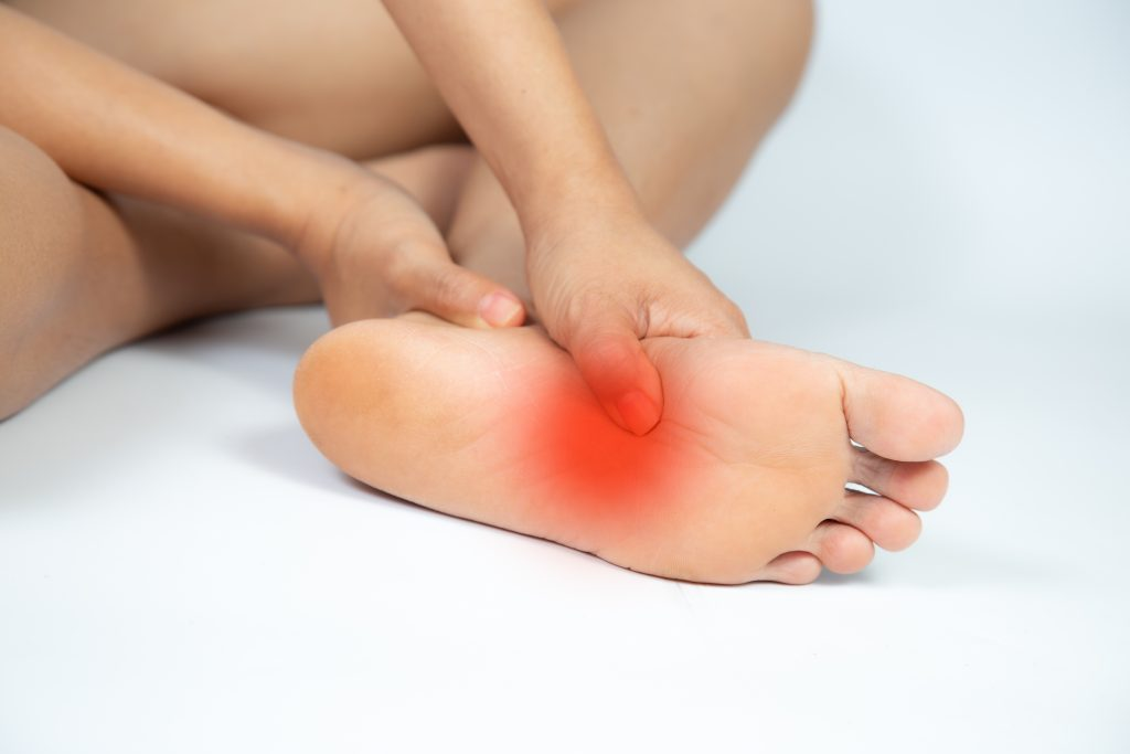 Pain under the foot: plantar fasciitis or heel spur?
