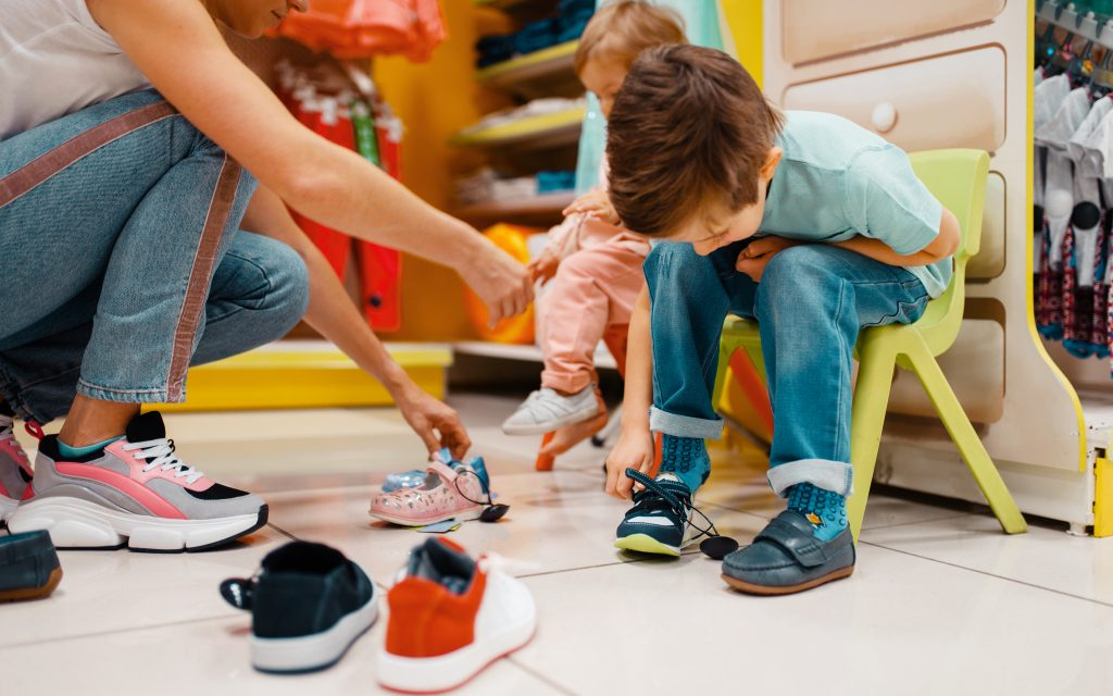 Tips for choosing the right sports shoes for your child